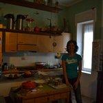 Giulia in der Küche