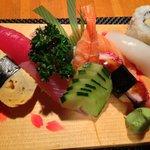 Le Shogun(将軍)の寿司盛り合わせ.日本人は食べない方がよい