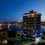 İstanbul Golden City Hotel Night View