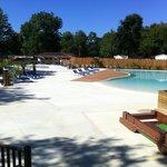 piscine et pataugeoire au camping de l'Uby