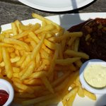 Currywurst + pommes ! :)