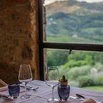 """Tavolo con vista sul """"Castellaccio"""""""