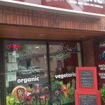 Earth Shake is a healthstyle, a journey with fresh organic food and nutrition