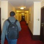 corredor p os quartos. acesso por elevador