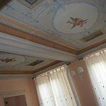 Il soffitto del salottino della stanza dei paesaggi