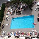 piscina y vistas desde habitación séptima planta