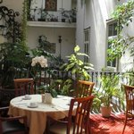 Frühstücksraum im Innenhof