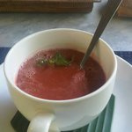 Sarudri Restaurant: Ubud Sari Health Resort (Tomato Basil Raw Soup)