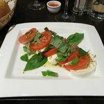 Tomaattia ja mozzarellaa