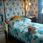 The sea-blue room