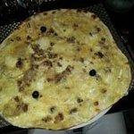 Pizza pinchinelle (creme fraiche, chevre, marron)