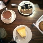 chocolate cake, cheescake, cookie, chocolat chaud & citronnade, le tout 100% artisanal