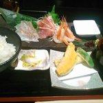 刺身定食(1000円)