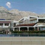 Hotelanlage und Pool