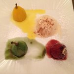 dessert tris di pere con mousse di cannella