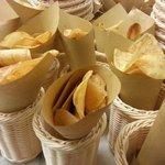 il cestello di patatine chips