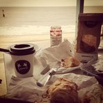 Two Magpies Granola, Coffee + Beach Hut = Perfect Breakfast!