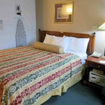 Room 311 - thin bedding does not fit bed