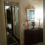 Royal Suite - Main bathroom and bedroom hall
