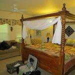 Hilo Bay room