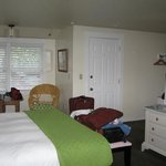 Glen Cove Inn & Suites Photo