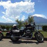 山名湖からの富士山