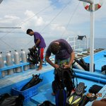 dive boat for tour to Gato Island
