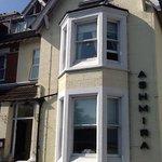 Ashmira Guest House Photo