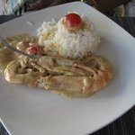 Gamberoni in salsa al curry verde thai, cocco, e peperoncino (kenkyawan)