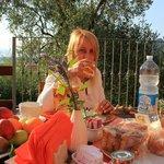 la mia colazione nel giardino del  Podere Morucciola