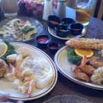 Broiled and fried seafood platters