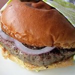 commando burger w/raw onions