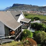 The property overlooks the Silvermine Valley