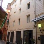 Met's Apartments, via de Monari