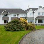 The Loch Lein Vountry House