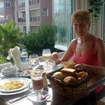Breakfast above the Pool