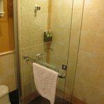 Bathroom/ Shower