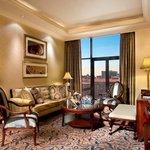 Executive Suite-Lounge
