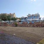 Otel ve Plaj Alanı
