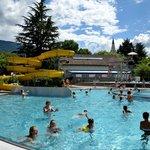 Una delle piscine: qui troverete idromassaggio, doccia pulsante, scivolo ecc..