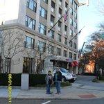Foto tirada em frente ao Hotel.