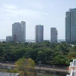 vista de la ciudad y la bahia desde la terraza