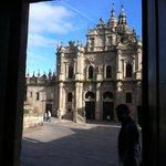 Der Ein-/Ausgang der Hospederia (direkt zur Kathedrale)
