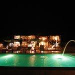 Hotel Noche y piscina