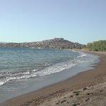 1 km long sand and pebble beach