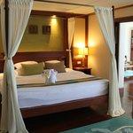 Royal Thani Suite