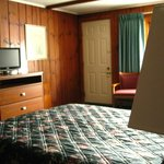 Knottypine Motel - Room