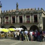 Yellow Bus Tour Guimaraes