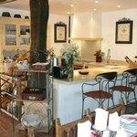 Espace cuisine ouverte et bar