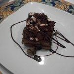 non è sola una fetta di torta al cioccolato!senza parole!vi auguro di provarla!